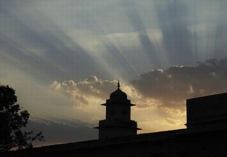 jai-citypalace-dawn.jpg