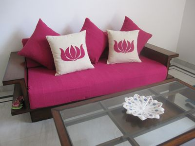 neelkamalcushion1.jpg
