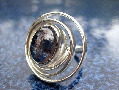 木村さんのカイヤナイトリング