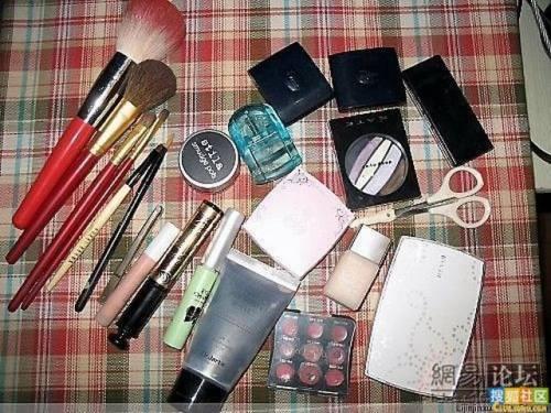 girl-makeup-trick-3.jpg