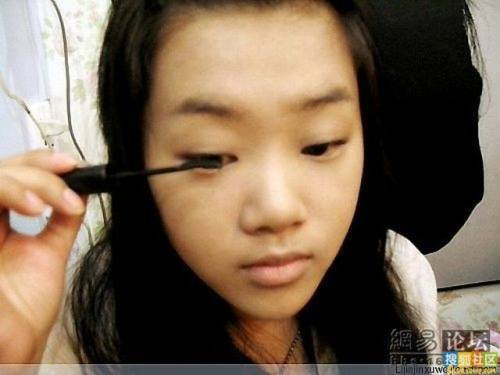 girl-makeup-trick-5.jpg