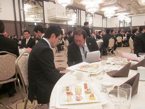 篠崎委員長結婚式3