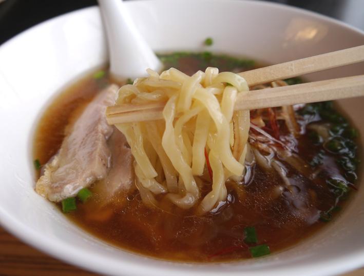 地鶏ラーメン麺