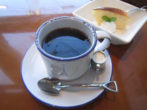 コーヒーとプチケーキ