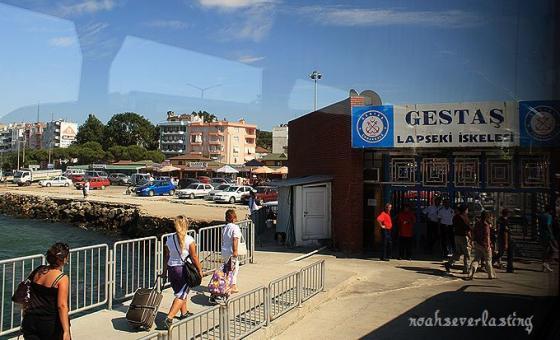 a port town_ferry_9