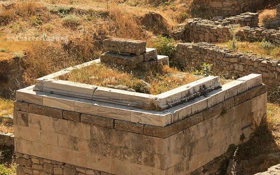 ruins_11.jpg