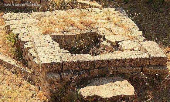 ruins_12.jpg