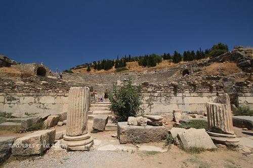 ruins_16_20100407234641.jpg