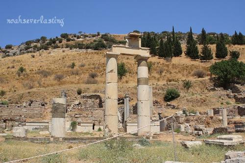 ruins_21.jpg