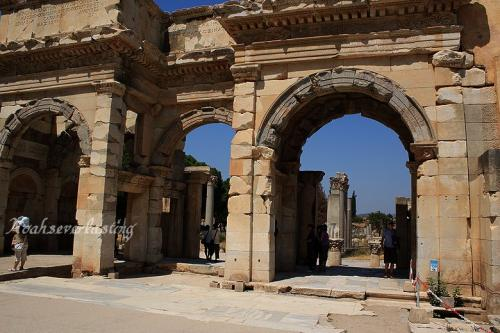 ruins_65.jpg