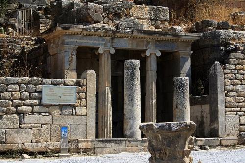 ruins_76.jpg