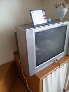 アパートのテレビ