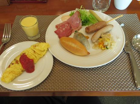 ホーチミンホテル朝ご飯1