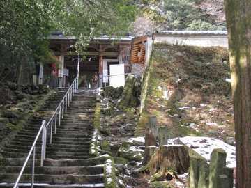 山門最後の石段