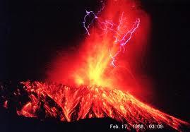 更に噴火!!。