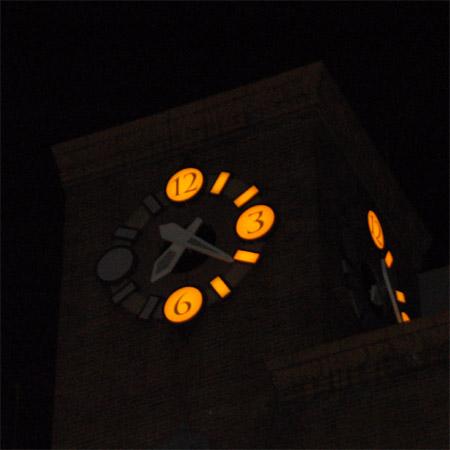 生駒ビル時計塔1