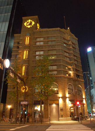 生駒ビルライトアップ1