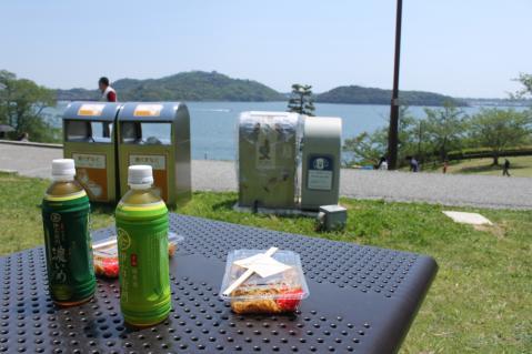 富士宮やきそばを浜名湖眺めつつ食べるのはいい。