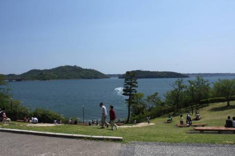 快晴の浜名湖、のどかです。