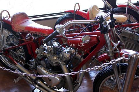 ジェームス・・・もはやどこのバイクなのか