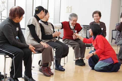 20130131介護予防事業「笑いヨガ教室」