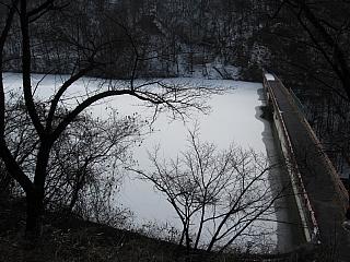 牛伏寺横のダム