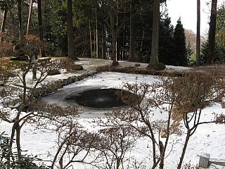噴水、昔は2M程の氷柱になりました