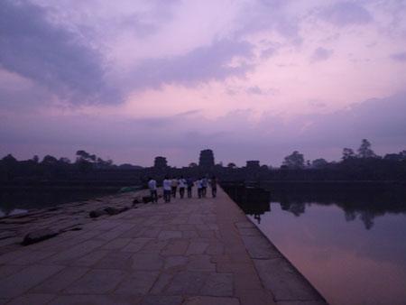 カンボジアへ