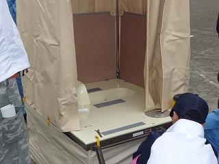 震災救護所訓練トイレ