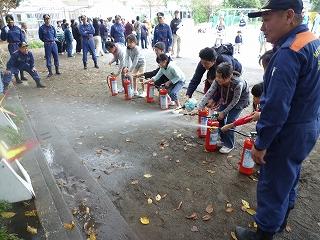 震災救護所訓練消火器