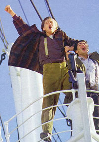 leo_titanic_king_of_world.jpg