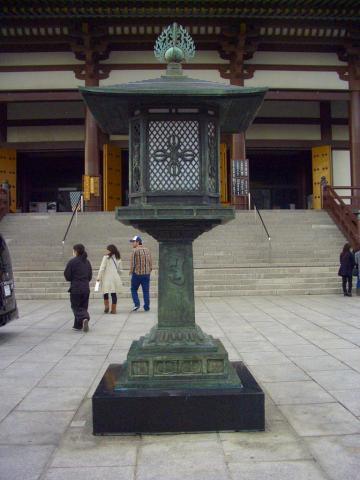 西新井大師灯籠
