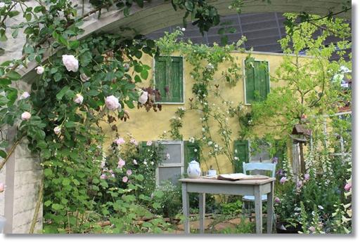 エミリー・ディキンソンの庭2