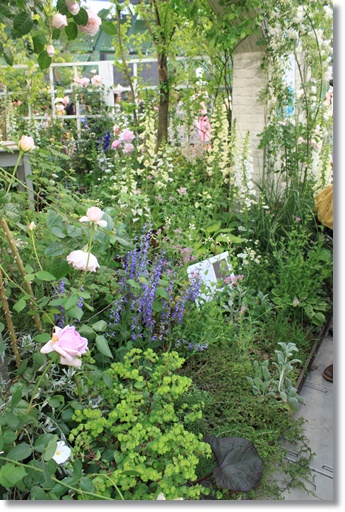 エミリー・ディキンソンの庭3