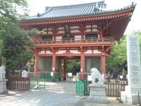 瀧泉寺山門