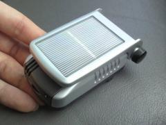 太陽電池式マイナスイオン発生器