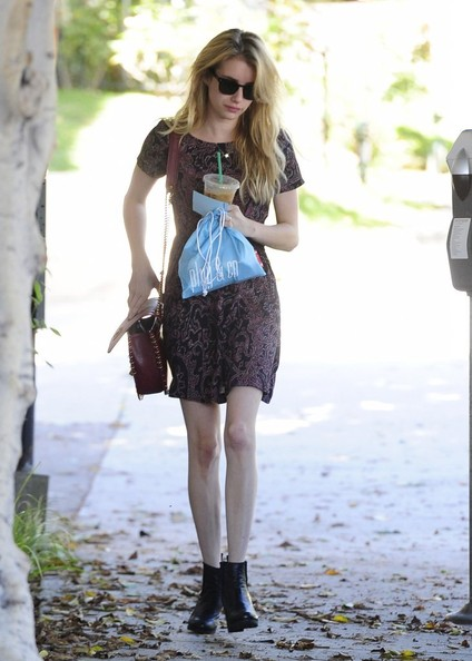 Emma+Roberts+Emma+Roberts+Visits+Nine+Zero+oQD_TAkDY7Cl.jpg