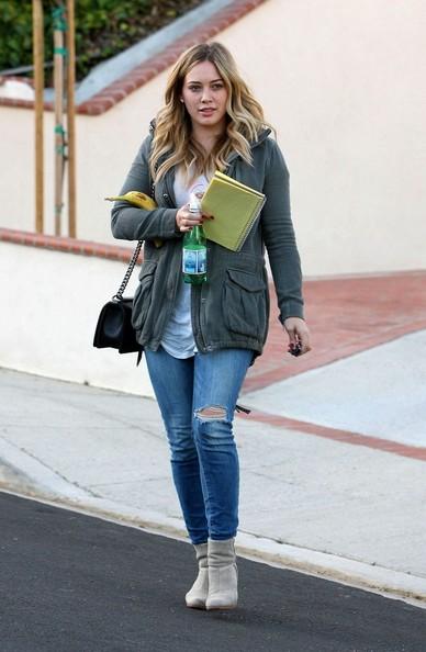 Hilary+Duff+visits+a+friend+GQIGw6_rVp0l.jpg