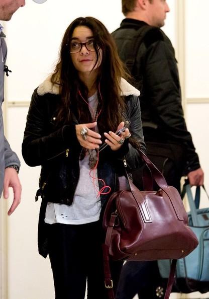 Vanessa+Hudgens+Vanessa+Hudgens+Wears+Glasses+88DqJKcWh_hl.jpg