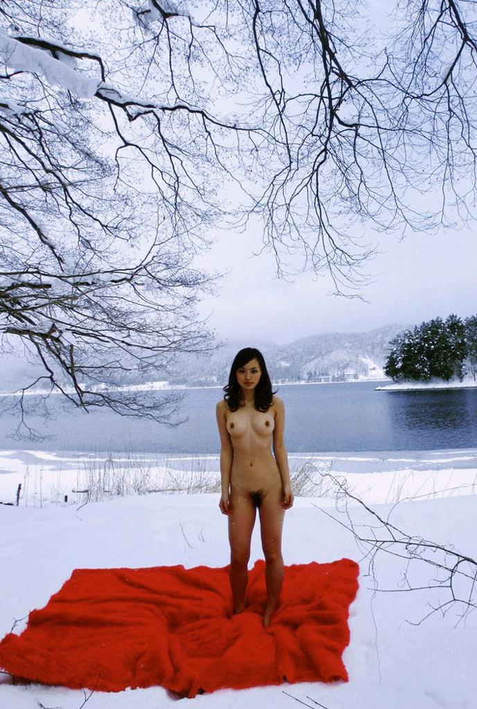 【寒冷フェチ】雪上ヌード/寒中水泳/全裸スキー(3)xvideo>2本 fc2>1本 YouTube動画>82本 dailymotion>2本 ->画像>436枚