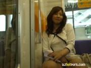【実録】綺麗すぎるお姉さんが電車内でマジオナニー!【XVIDEOS 無料動画】