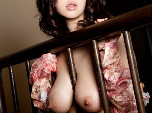 美巨乳おっぱい卑猥アンダーヘアー露出狂お姉さんOLエロ画像