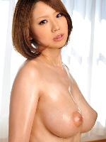 淫らな裸体が小道具ローションでヌルテカ淫猥おまんこ挿入エロ画像・20枚