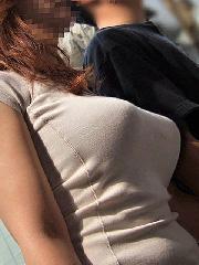 【着衣巨乳】服の上からわかる素人お姉さんの乳が堪らんwwww
