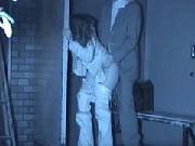 【無修正】夜、辺りを警戒しながら青姦