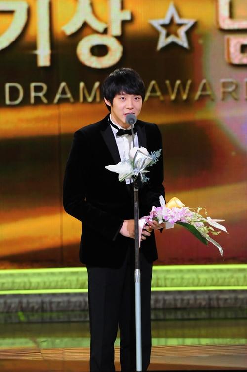 2010KBS演技大賞新人賞パク・ユチョン01