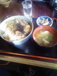 イノブタ丼を食べに行ってきました