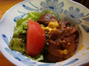 沖縄らしく豚の角煮