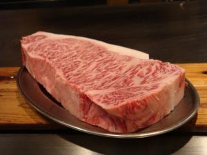 本日のお肉も700gの巨大ステーキ!