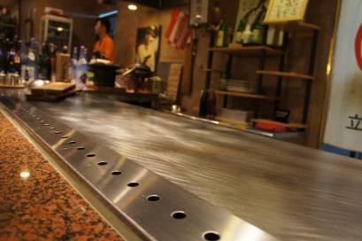 ピッカピカでキレーな鉄板。こんなの欲しいなぁ。